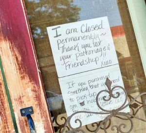 A message posted on the front door of Simply Shabulous last week informs patrons that the store has closed permanently.  May Soricelli / The Surveyor