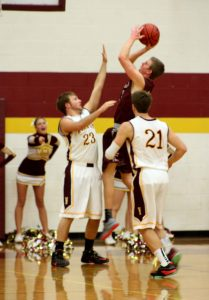 Berthoud's Cody Braesch goes up for a shot during the boys' game against the Windsor Wizards on Jan. 17.  Angie Purdy / The Surveyor