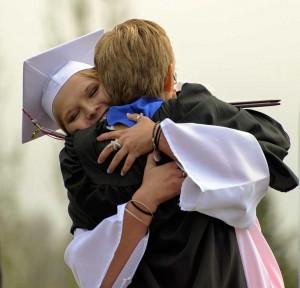 McKenna-Nauss-hugs-her-mother